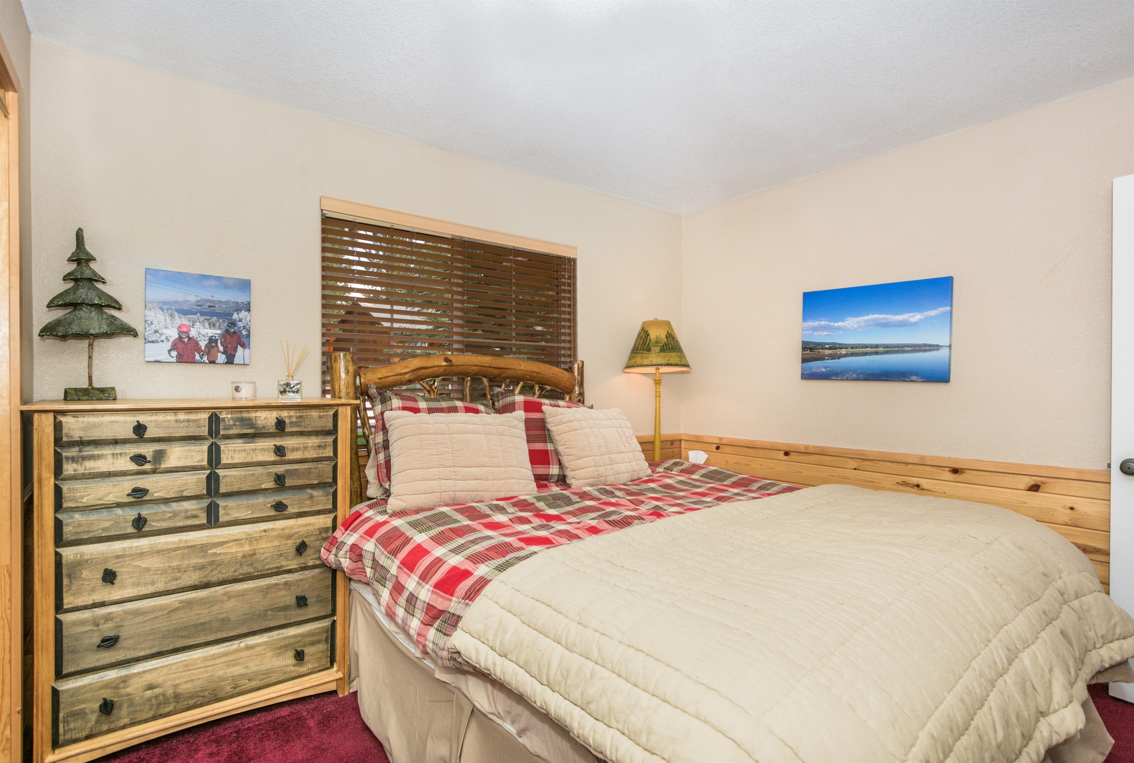014_Bedroom1
