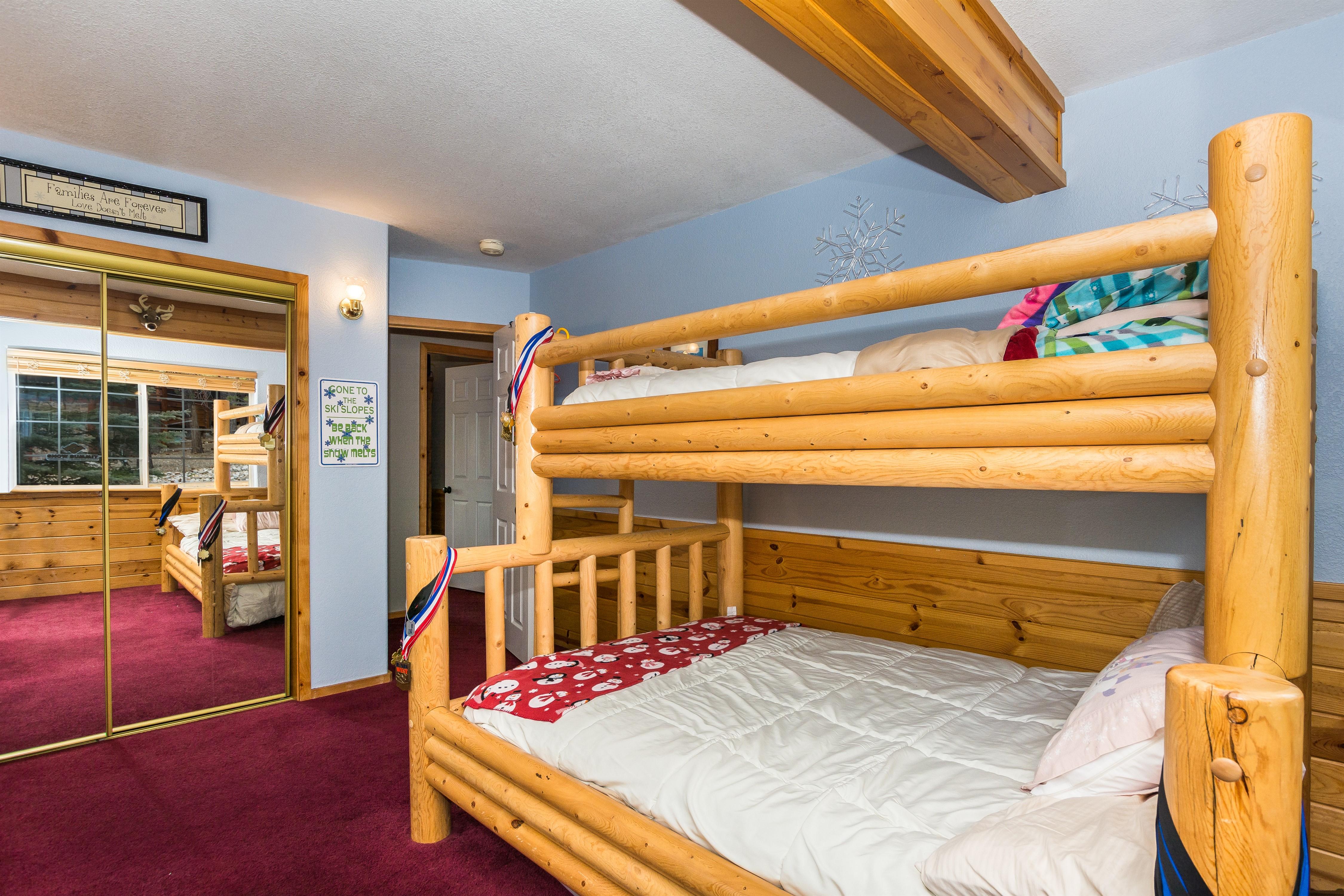 017_Bedroom2