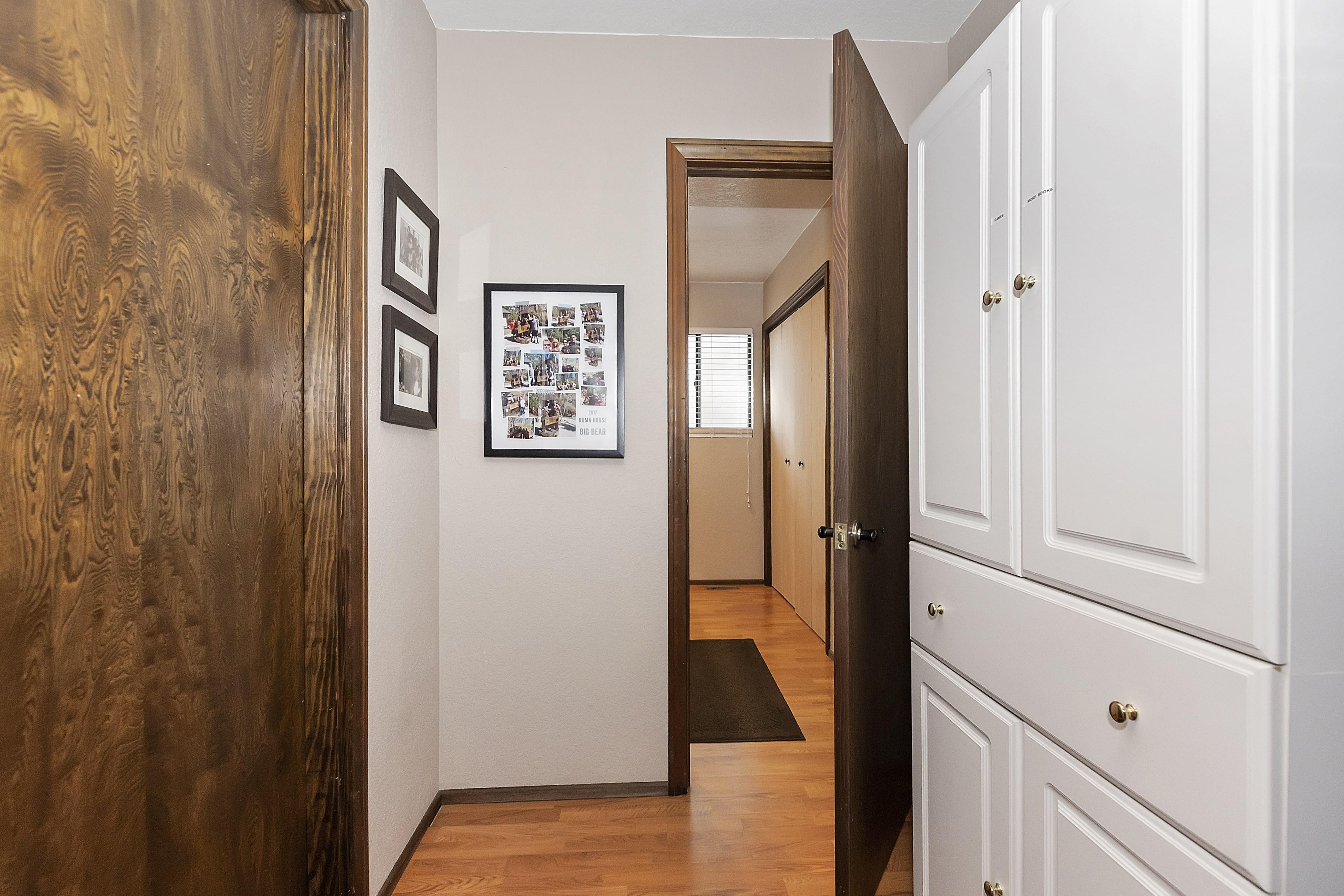 012_Hallway