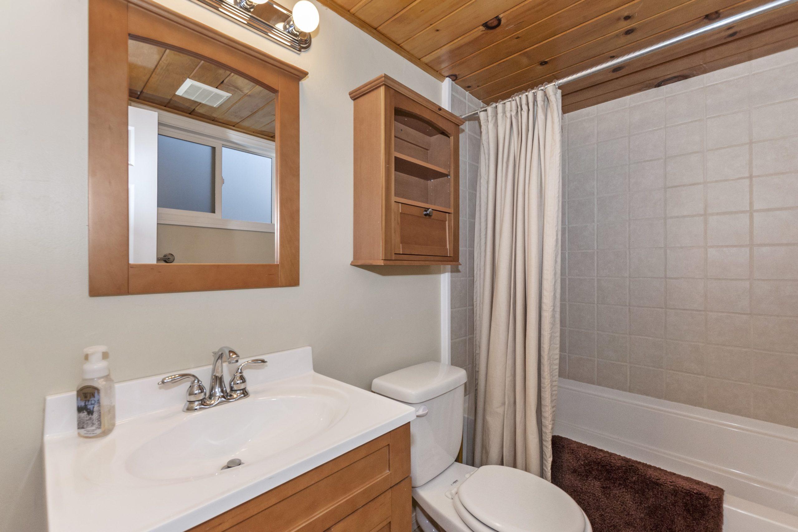 006_Bathroom