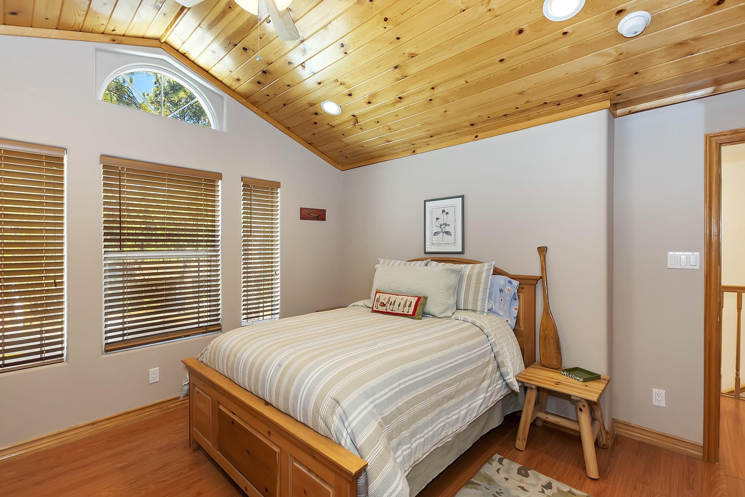027_Bedroom